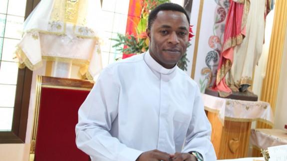 El Padre Kenneth en la parroquia de La Hoya de Lorca