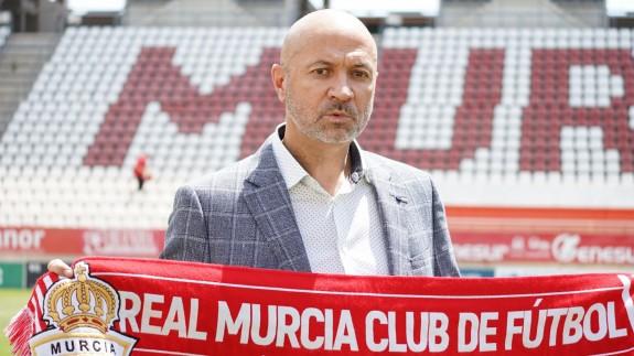 Manolo Molina, en su presentación