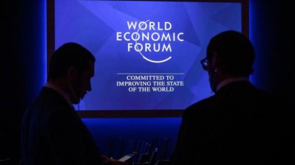 VIVA LA RADIO. En camisa de once varas. Foro Económico Mundial de Davos en el momento de tensión política que vivimos