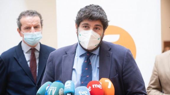 López Miras, en un contacto con los medios de comunicación (archivo). CARM