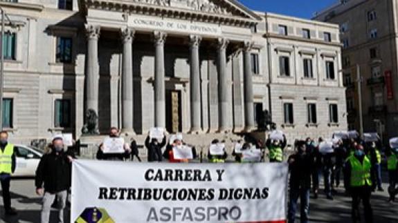 La Asociación de Militares convoca manifestaciones para exigir subida de sueldos