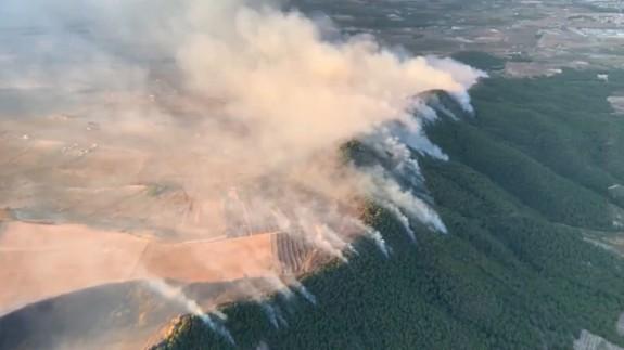 Incendio visto desde el aire. CONSEJERÍA DE TRANSPARENCIA