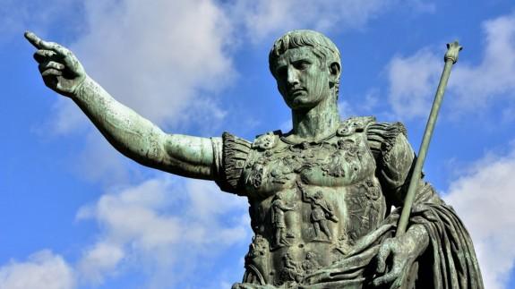 VIVA LA RADIO. Murcia año 2772. La república y los dictadores de Roma