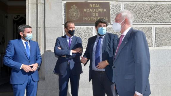 López Miras se reúne con el presidente de la Real Academia de Ingeniería, Antonio Colino