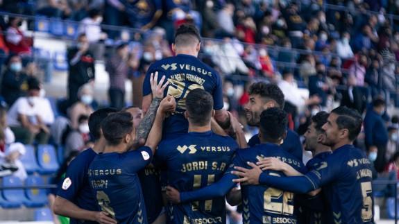 El UCAM Murcia remonta y se clasifica para el playoffs de ascenso a 2ªDivisión (3-2)