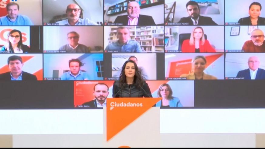 Inés Arrimadas, con representantes la Comisión Permanente de Ciudadanos