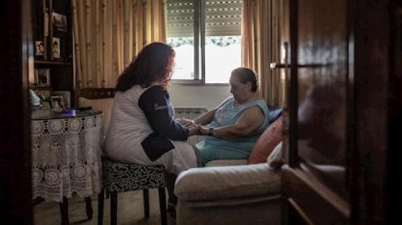 Aumenta la precariedad en las empleadas de hogar y cuidadoras de personas mayores
