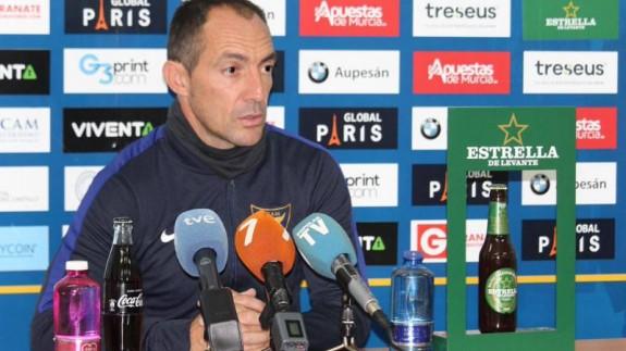 "Pedro Munitis : ""Sabemos que puntuar en Badajoz va a ser muy difícil"""
