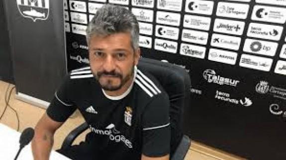 Gustavo Munúa prevé en Villarrubia un partido de mucho juego en las áreas