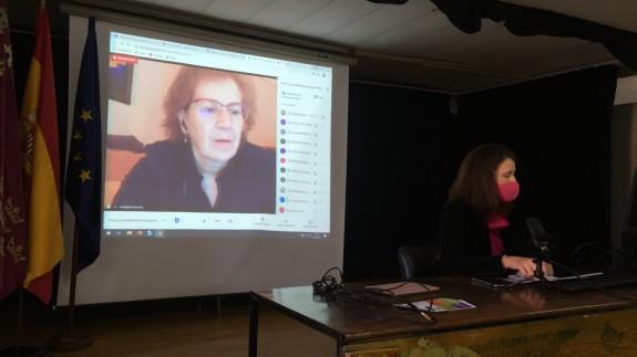 Margarita del Val en un momento de la videoconferencia en el Instituto Floridablanca de Murcia. Foto: Instituto Floridablanca