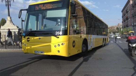 Autobús de LAT en la ciudad de Murcia, en una imagen de archivo. Foto: Europa Press