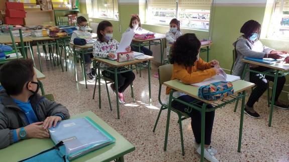 Interior de una clase de primaria