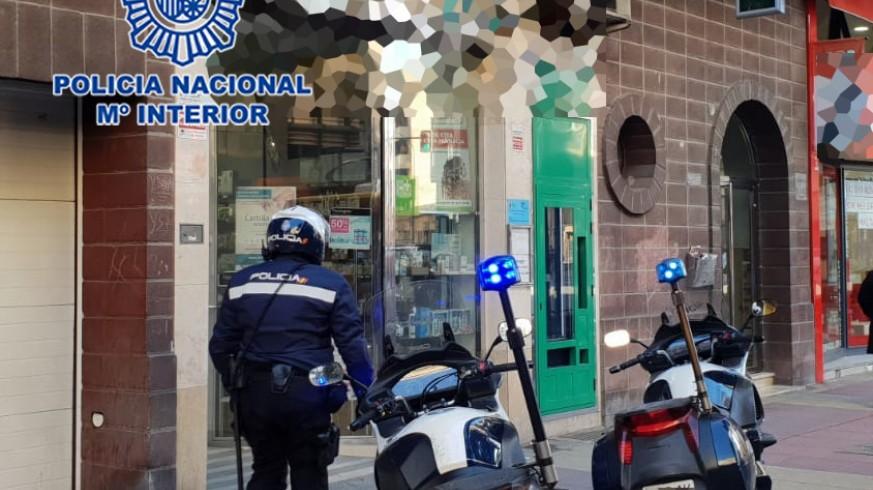 Actuación policial en una de las farmacias