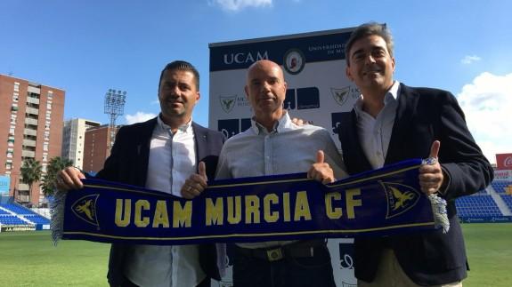 Miguel Rivera, en su presentación con el UCAM Murcia CF