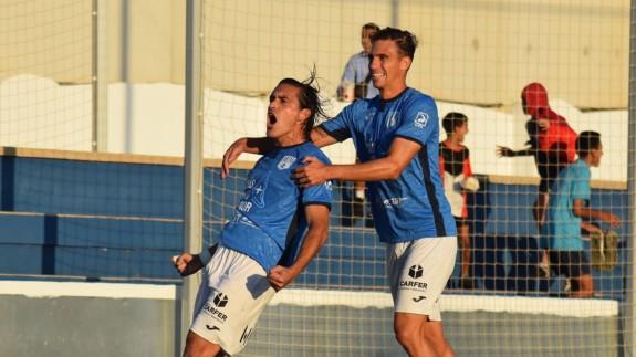 Edu Ubis celebra su gol frente al Toledo