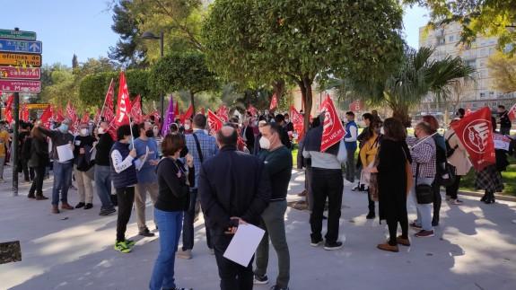 Concentración frente a la Delegación del Gobierno en Murcia esta mañana. Foto: ORM