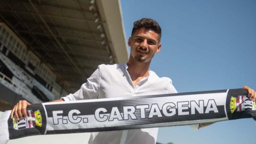 """Sergio Lozano: """"Hay que mejorar pero podemos ganar en Oviedo"""""""
