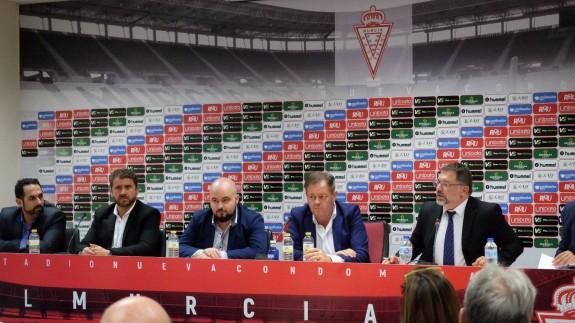 Aprobada una ampliación de capital de 18 millones de euros del Real Murcia que García de la Vega impugnará