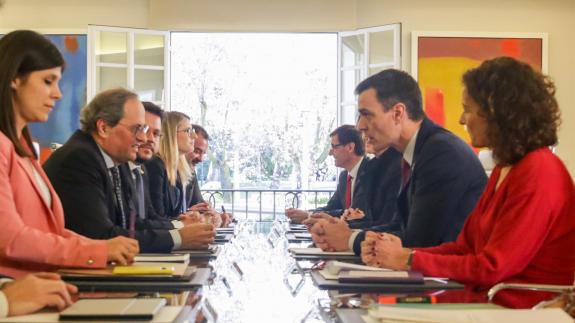 Reunión de la mesa de diálogo en Moncloa.