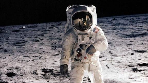 Neil Armstrong en la llegada del hombre a la Luna