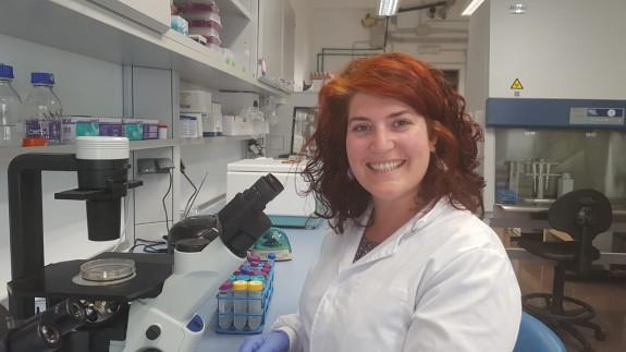 CLUB DE CIENCIAS - Julia Sirés Campos, seleccionada para trabajar en el Instituto Curie