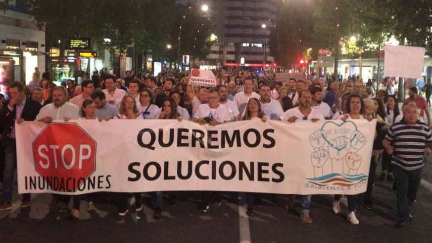 Manifestación por las calles de Murcia