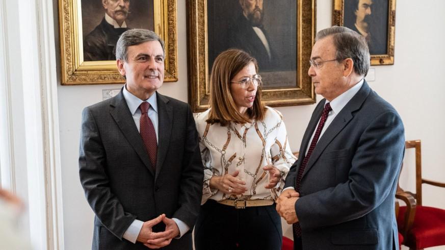 La alcaldesa de Cartagena junto al secretario de Estado Pedro Saura y el consejero Patricio Valverde