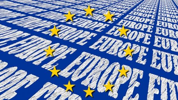 """Estrellas de la bandera de la UE sobre fondo """"Europe"""""""
