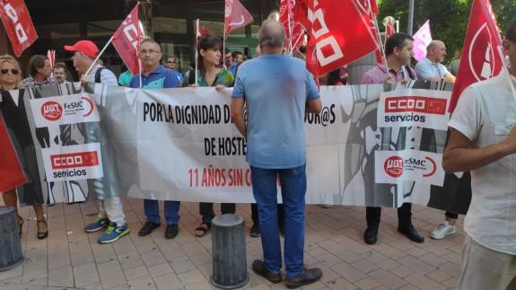 Manifestación de UGT y CCOO hoy en Murcia (foto: ORM)