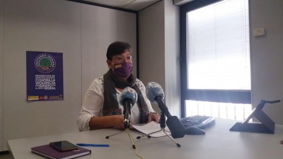 Victoria Molina de FADEMUR en la rueda de prensa