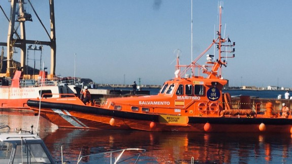 Buque de Salvamento Marítimo que participa en las tareas de búsqueda