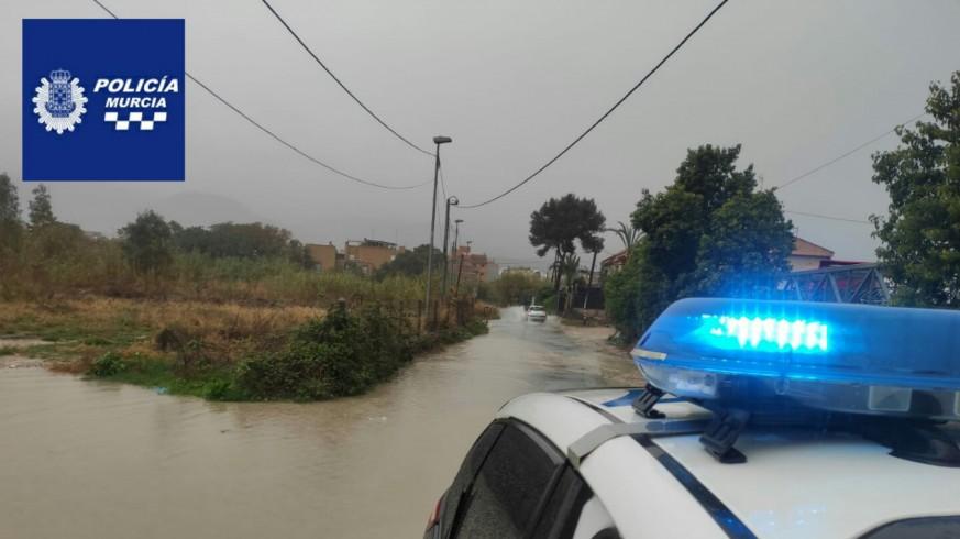 Tráfico cortado en la costera sur de Murcia