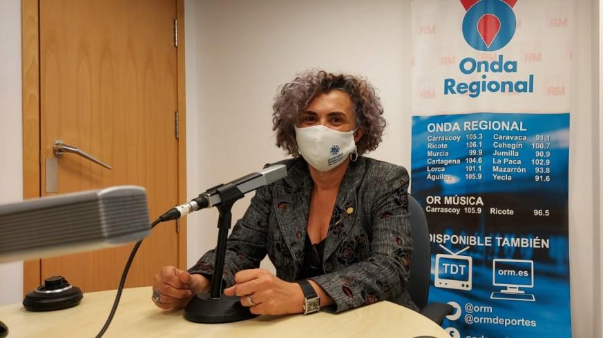 Beatriz Miguel en los estudios de Onda Regional en Cartagena
