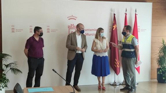 El equipo de gobierno del Ayuntamiento de Murcia hace balance del dispositivo impulsado con motivo de las altas temperaturas en la ciudad. ORM