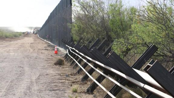 Construcción de un muro en la frontera de Santa Teresa (Tejas). @CBP