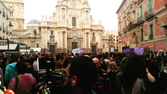 Concentración en la plaza Cardenal Belluga de Murcia