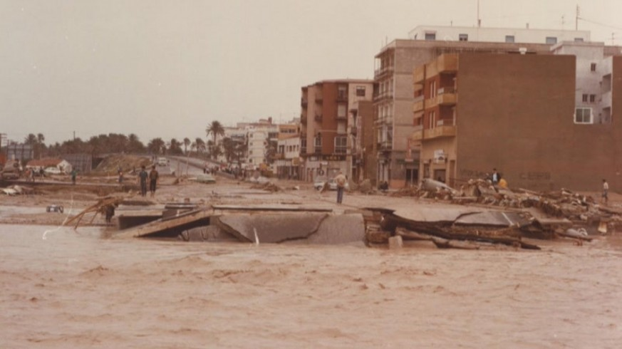 LA RADIO DEL SIGLO. De Cartagena para el mundo. Inundaciones en la Región, un repaso histórico
