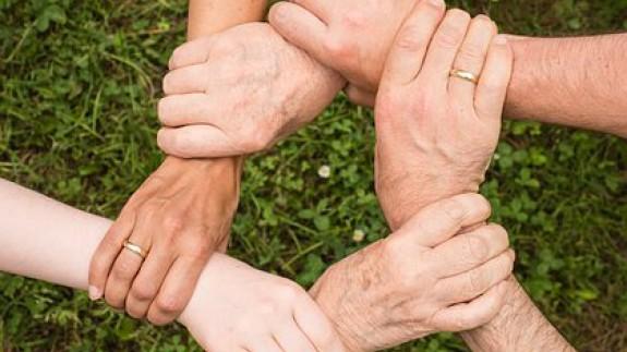 LA ONDA EN VERANO. Cuidados a los mayores
