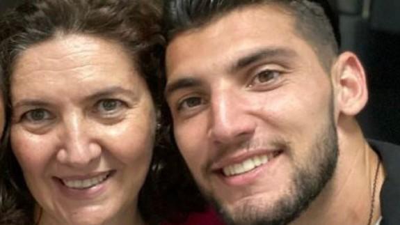 Cristina Vicente, junto a su hijo Rafa Mir