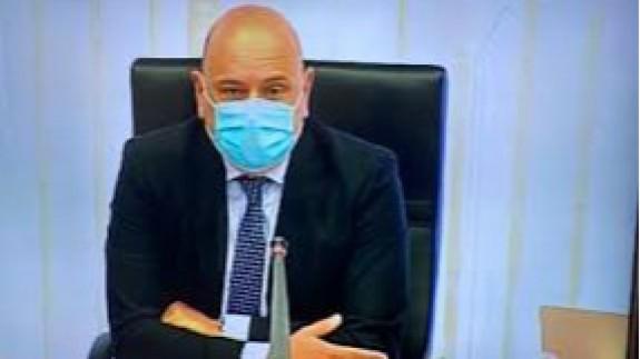 """Pedro Martínez, Presidente del CERMI en la Región de Murcia, en el programa """"La contraportada"""" con Lucía Hernández."""