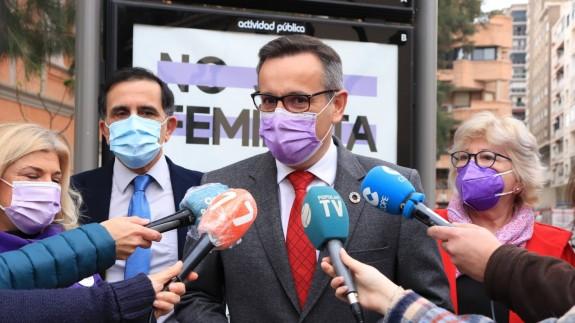 Diego Conesa atiende a los medios este viernes