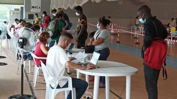 Vacunación esta mañana en Lorca. Foto: Alfonso Martínez