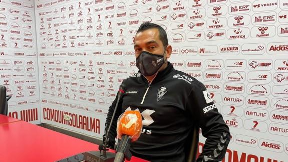 Adrián Hernández, en la rueda de prensa previa al partido contra el Córdoba