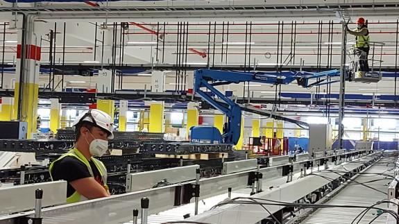 Amazon quiere crear 1.200 empleos con el centro de distribución que construye en Corvera
