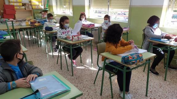 Alumnos en un aula de Primaria