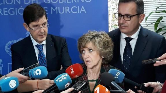 Carcedo, junto al consejero Villegas y el delegado del Gobierno Diego Conesa