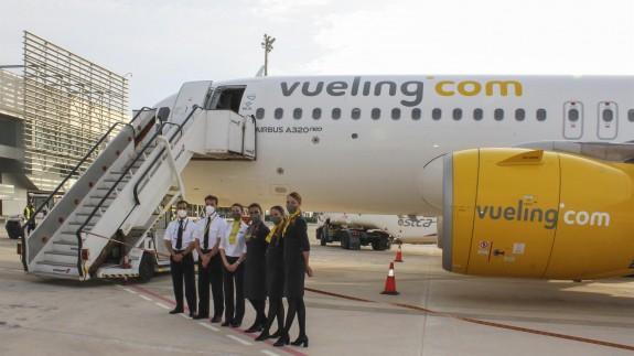 Un avión de la compañía en el Aeropuerto Internacional de la Región de Murcia