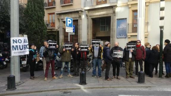 Concentración frente a la Jefatura Superior de Policía Nacional en Murcia