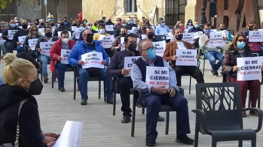 Concentración de hosteleros hoy en Cieza