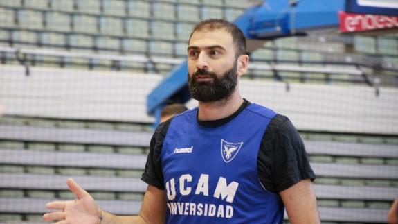 Kostas Vasileiadis, en un entrenamiento del equipo